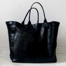 VDC bucket leather bag