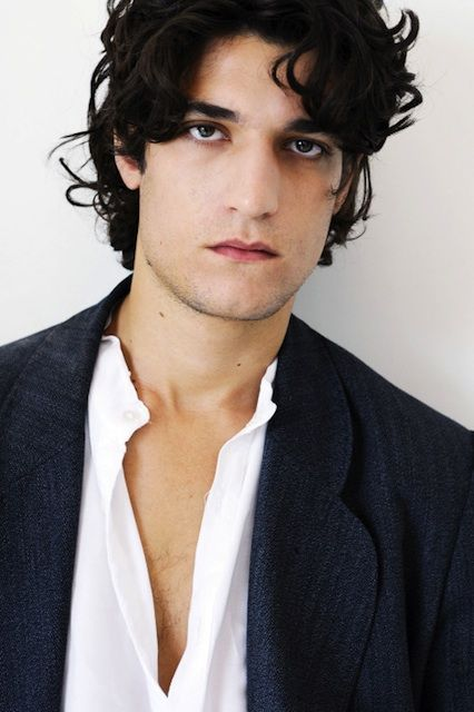 louis-garrel-body.jpg