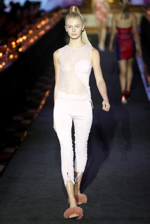 La Perla Spring 2018 Ready To Wear Fashion Show Collection Fashion Fashion Show Ready To Wear