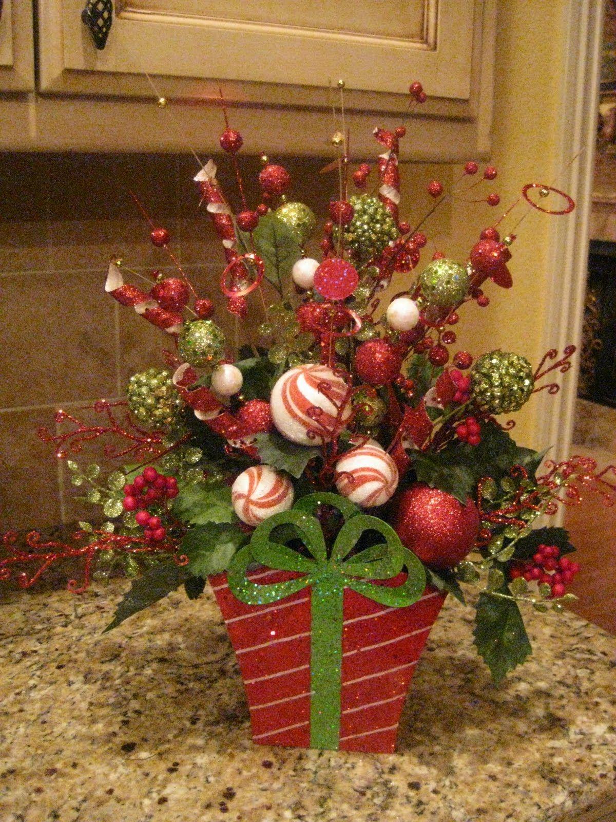 Mesh wreath tutorials, step by step flower arrangements