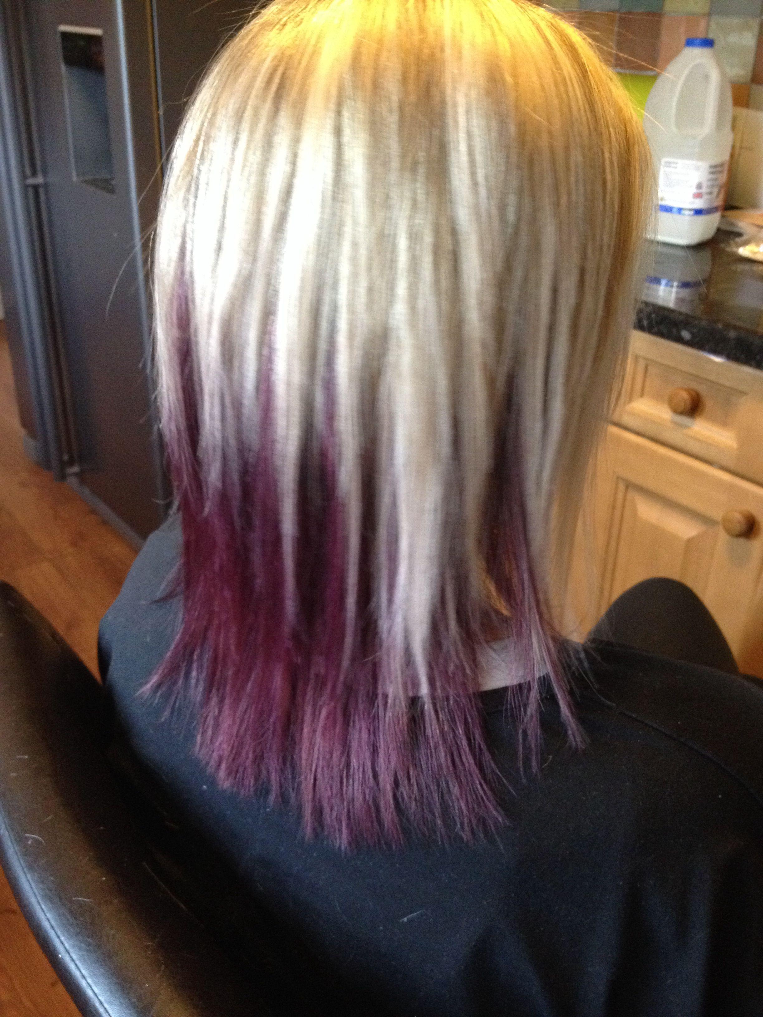 Platinum Blonde Highlights On Top Deep Purple Underneath Long Bob Haircuts Platinum Blonde Highlights Hair Beauty