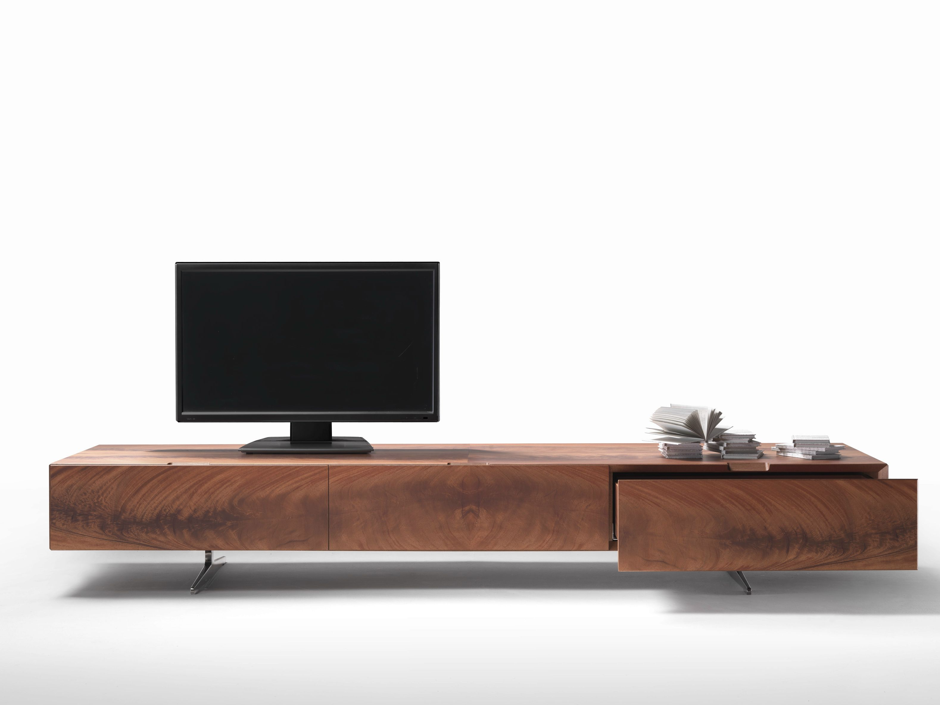 tv lowboard aus holz kollektion piuma by flexform design antonio citterio tv w nde. Black Bedroom Furniture Sets. Home Design Ideas