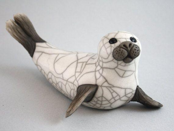 Siegel auf Flippers - Raku gebrannt Keramik-Skulptur