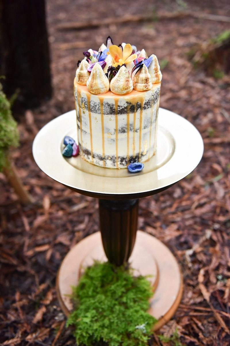 Rustic Woodland Meringue Wedding Cake