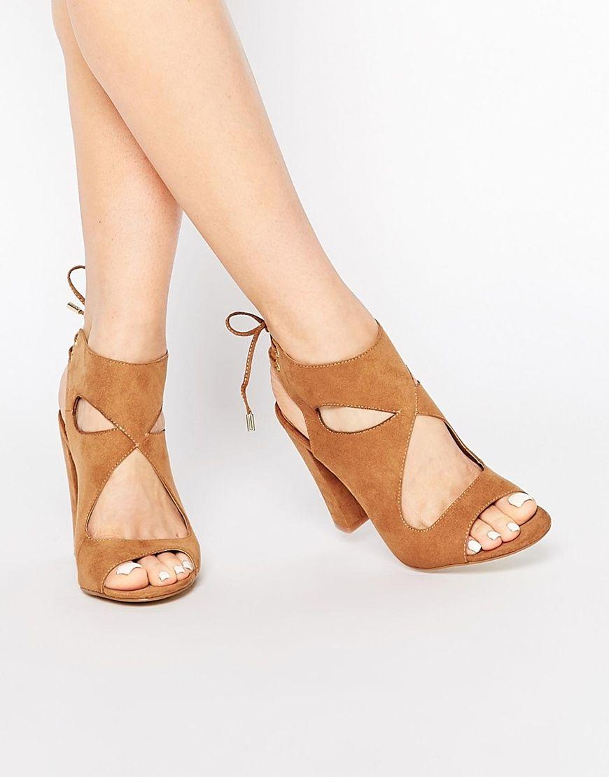 image 1 - new look - chaussures en daim à talon carré avec bride à