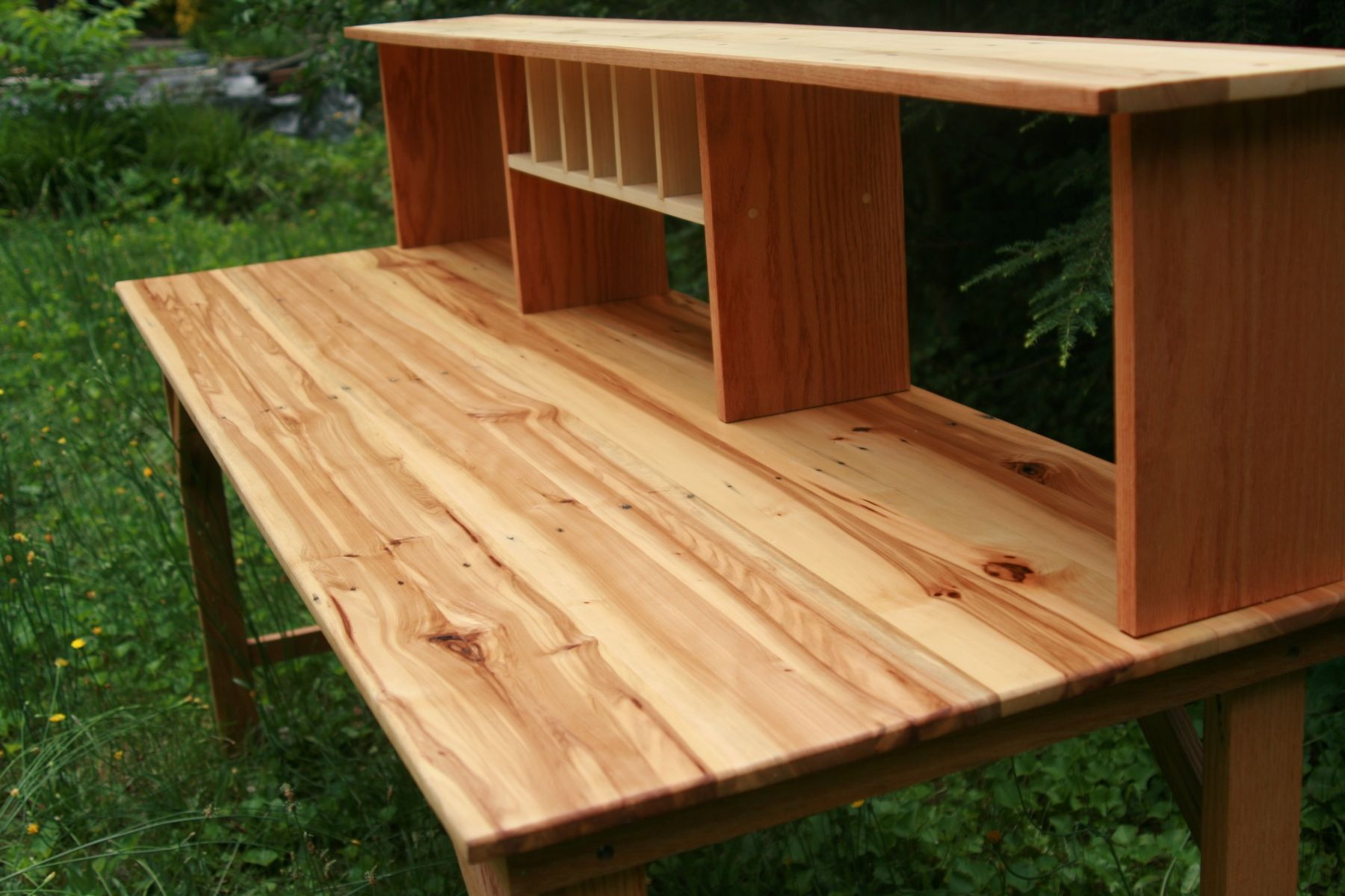 Play Around With The Diy Multi Use Rustic Desk That Doubles