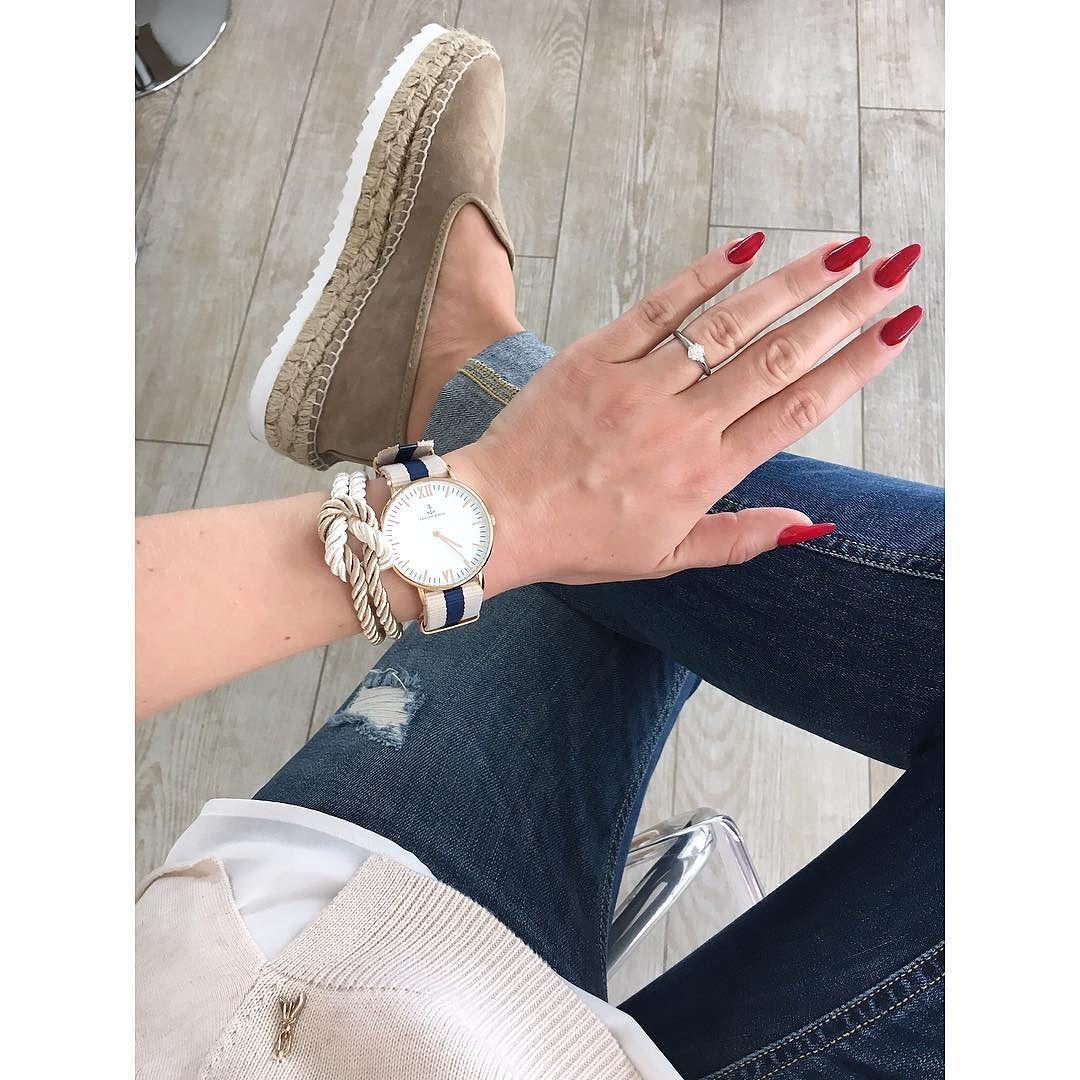 ..aus creme & marine bestand das heutige Outfit  liebe die Farbkombi  und bevor es in die Jogginghose geht noch schnell ein #detailfoto für euch  habt einen schönen Abend  #zara #espadrilles #kaptenandson #patriziapepe #andsisters #details #detailsdestages by c.c.2013