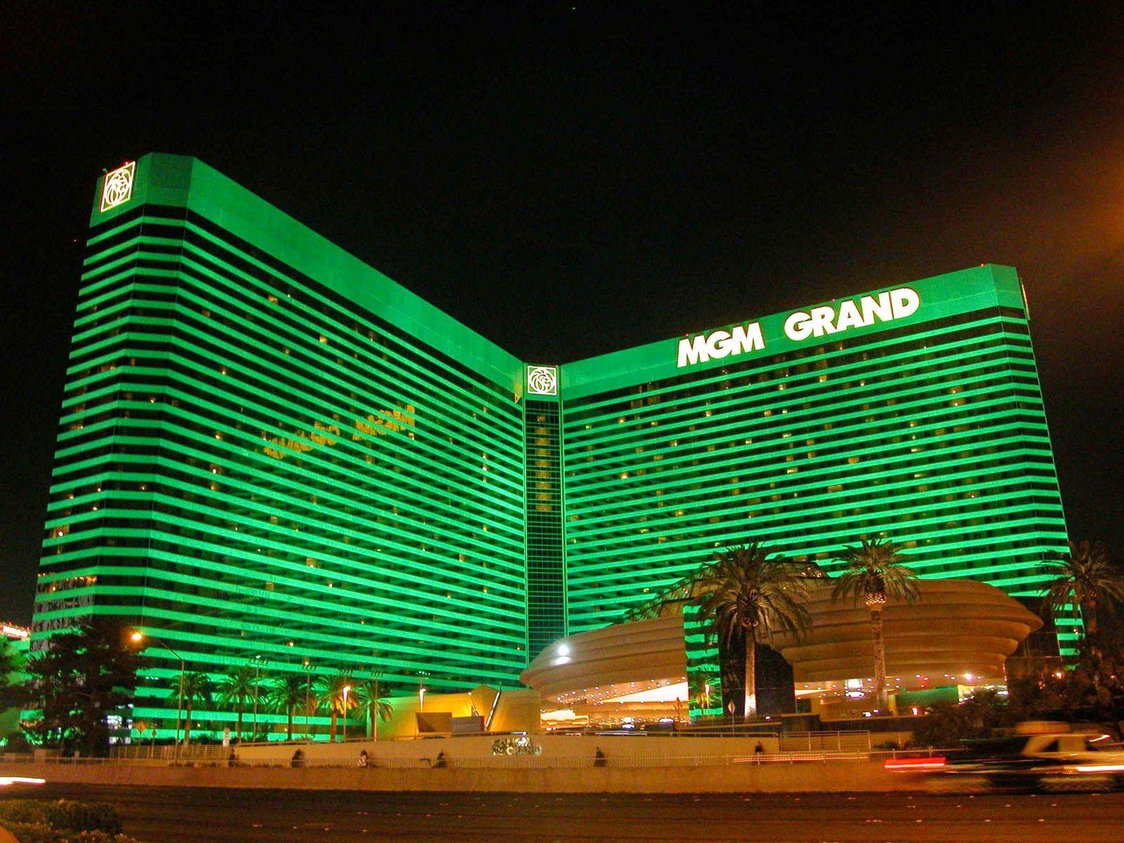 Mgm Grand Las Vegas- Tyson Dined Holyfield