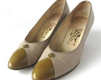 9d91e79d60 Women's 1980s Salvatore Ferragamo Pumps Heels / Taupe Calf Leather / Sapone  / Two Tone / Italian Leather Shoes / Eighties / Size 8.5 Narrow