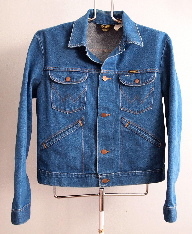 72a0429e7985d Vintage Wrangler Denim Jacket Mens size 44 Medium via Etsy.