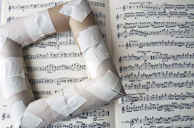 Bilderrahmen aus Toilettenpapier- Rollen