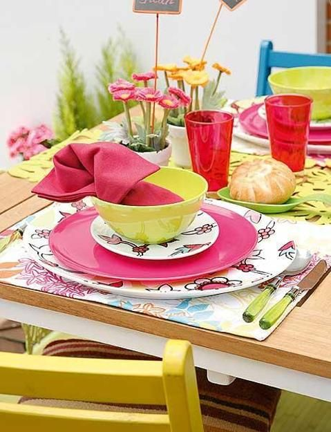2 Bright Summer Party Table Decor Ideas Flower Centerpieces and Colorful Tableware Sets & 2 Bright Summer Party Table Decor Ideas Flower Centerpieces and ...