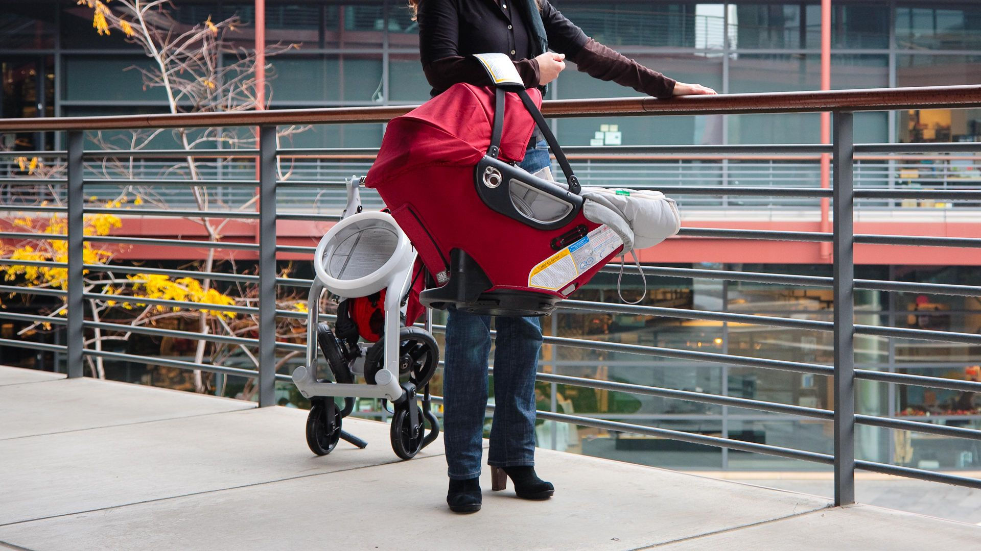 I want the Orbit Baby stroller/car seat! Great design and easy to use...apparently.