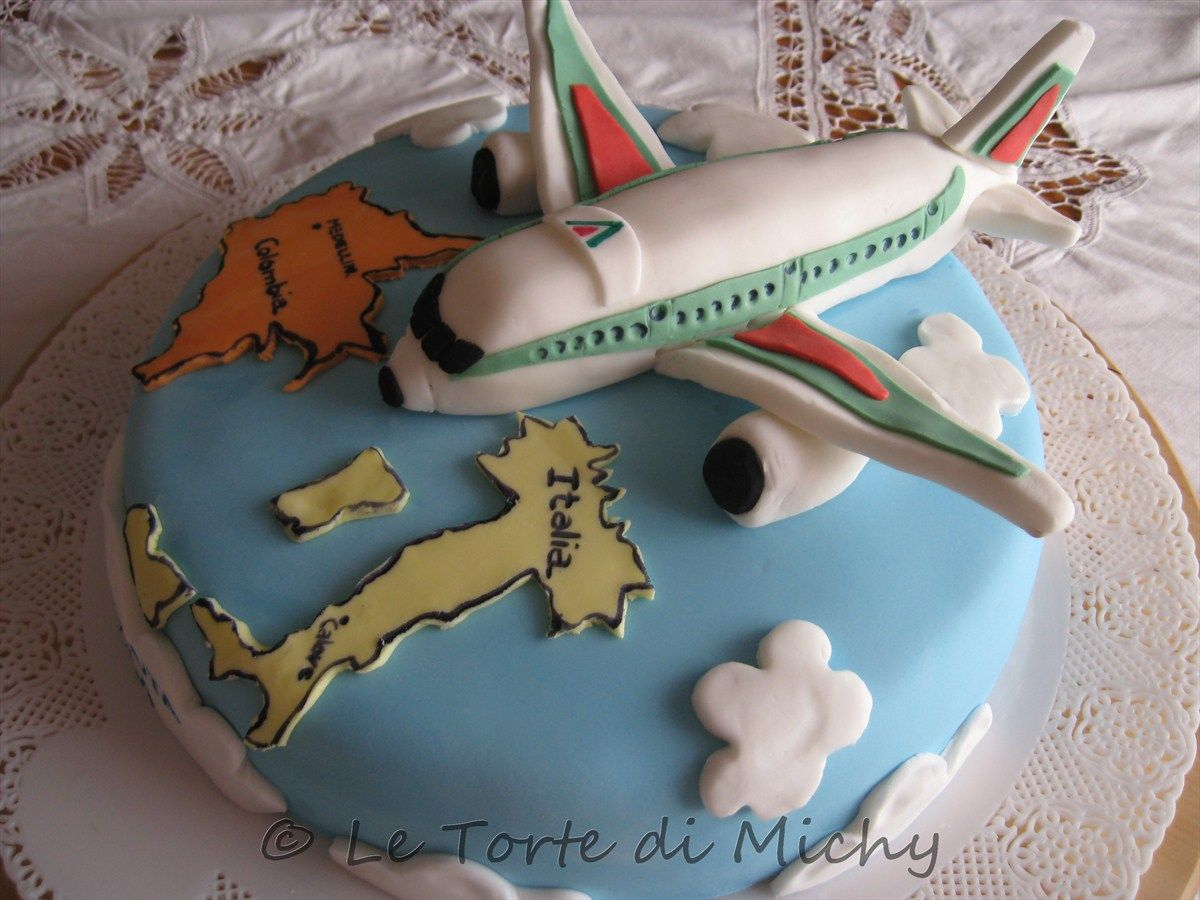 Airplane cake welcome back home le torte di michy for Airplane cake decoration