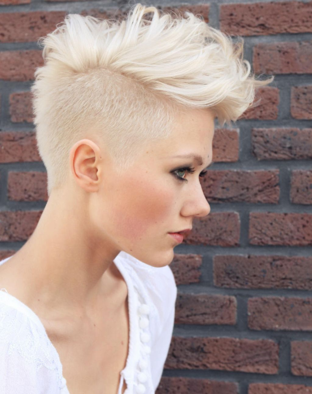 Medium hairstyles to make you look younger platinum blonde hair