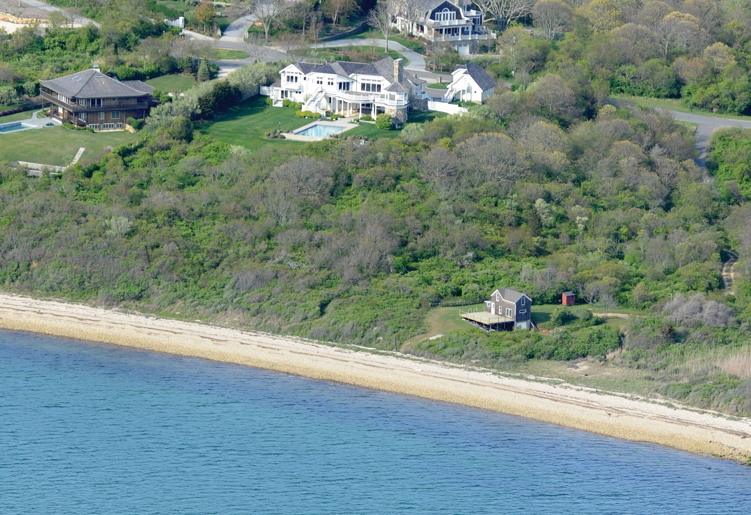Hamptons Waterfront Homes For Sale