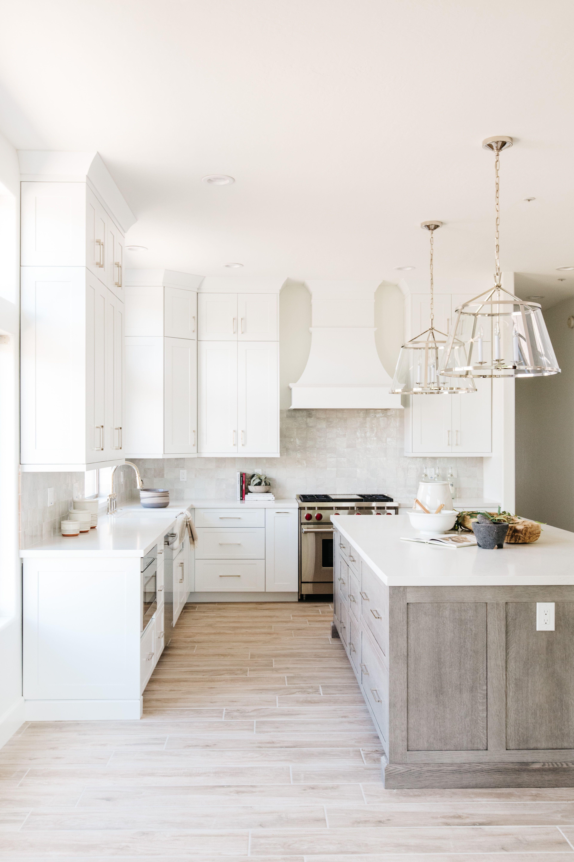Modern, farmhouse kitchen design inspo   Farmhouse kitchen design ...