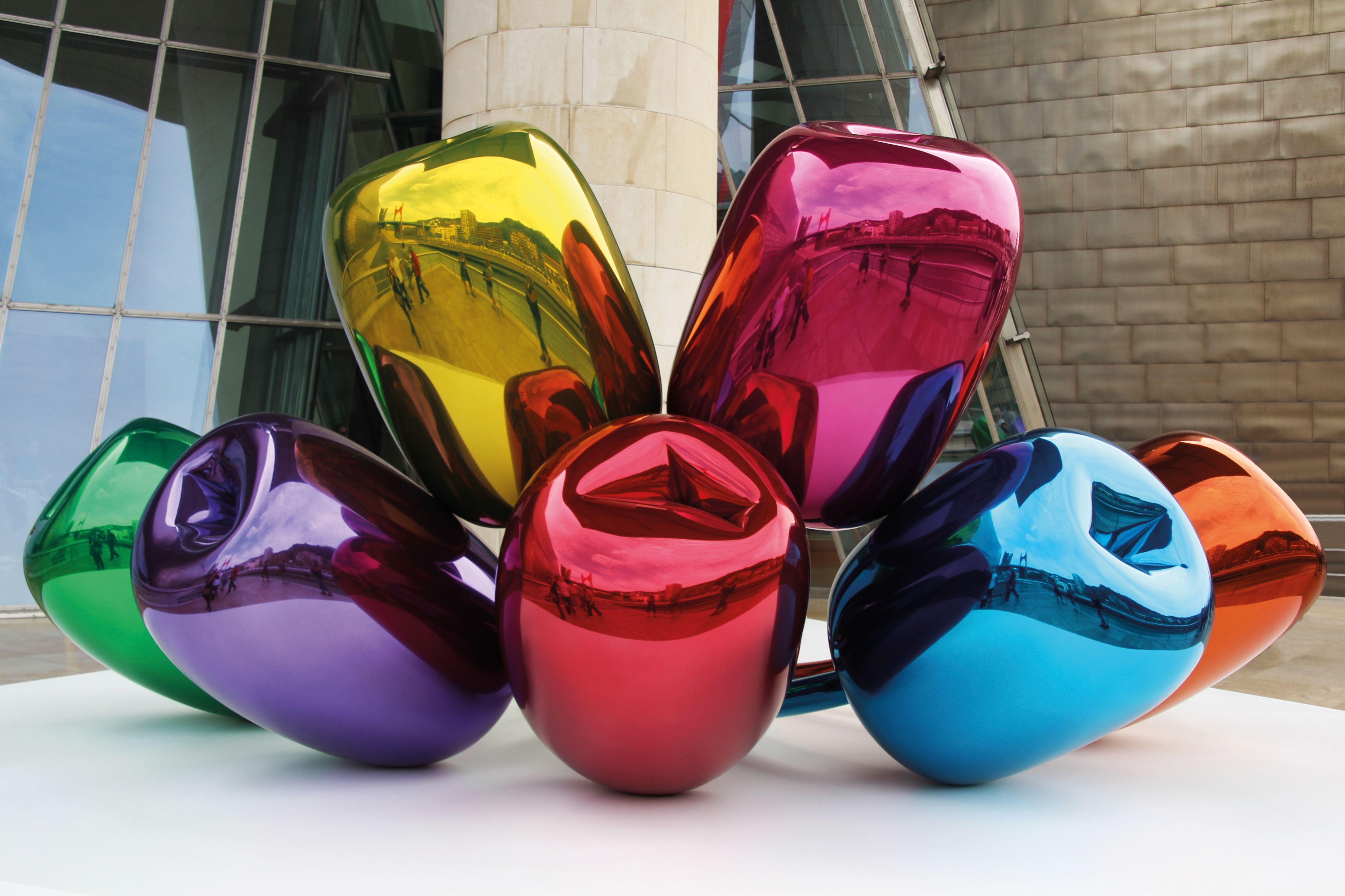 JE05: Kunstwerk: Tulips van Jeff Koons bij het Guggenheim Museum.