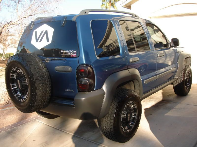Not Ours But Hope To Add A Lift Kit Like This One Some Day Soon Jeep Liberty Lifted Jeep Liberty Jeep Liberty Sport
