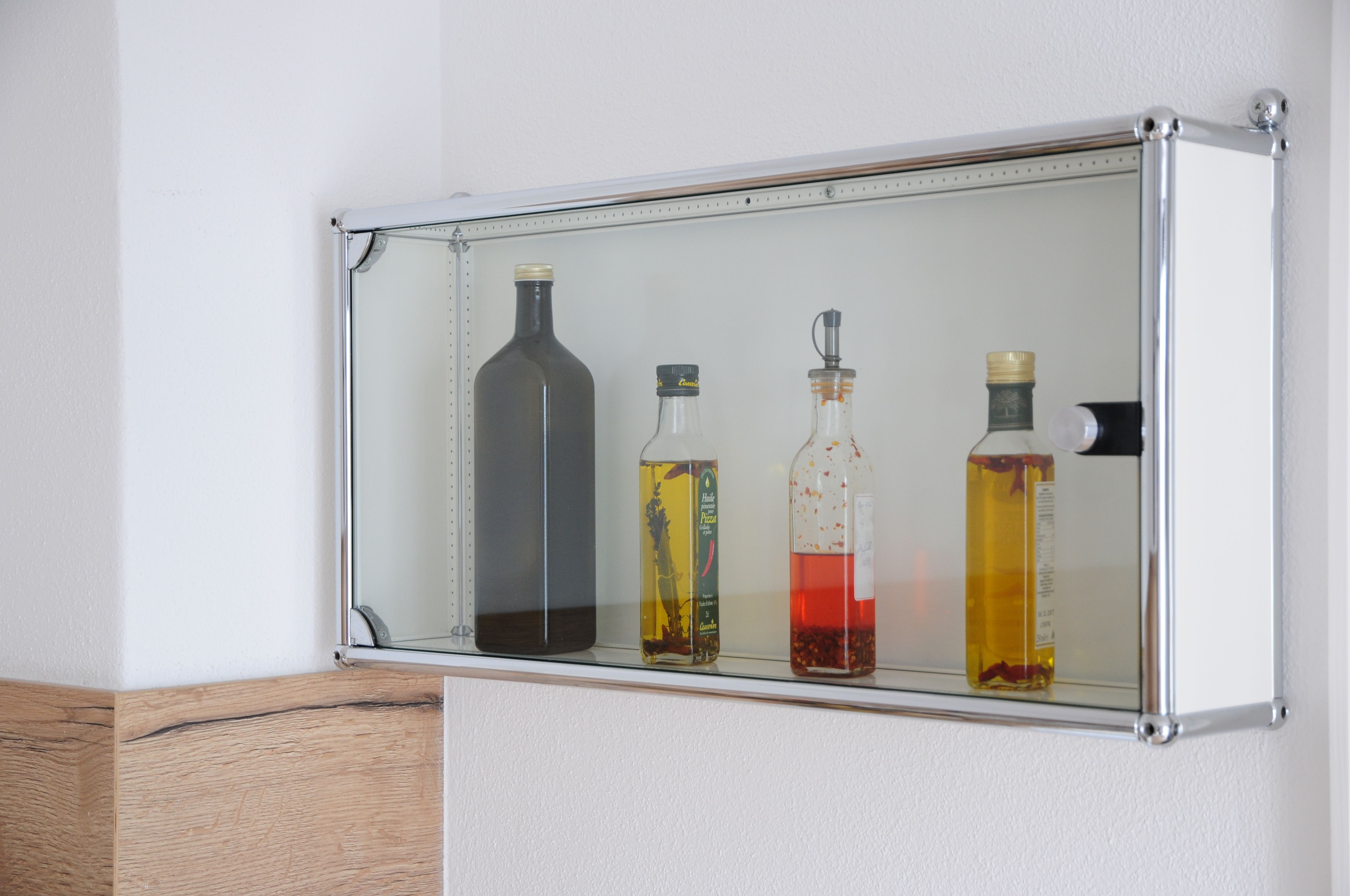 Weisser Hängeschrank, 10cm tief mit Glastür in 2019 ...