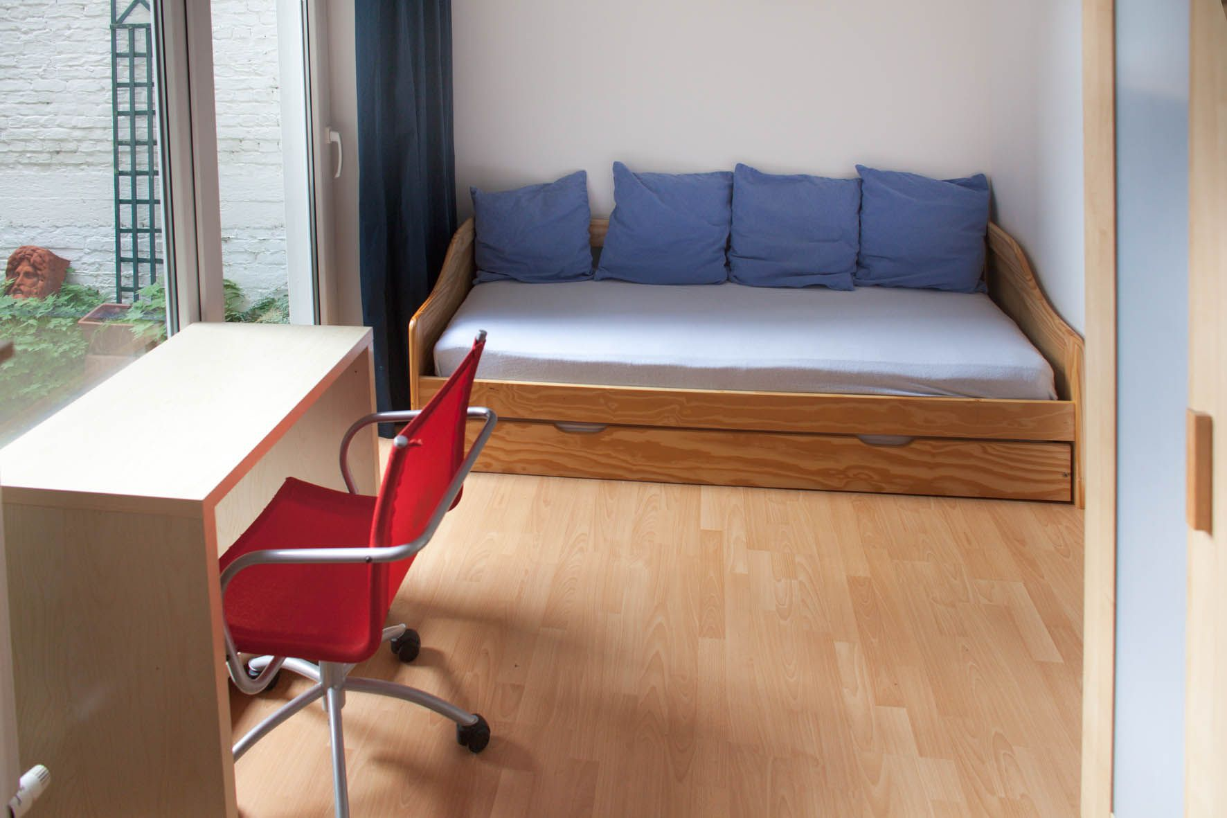 Small Individual Studio Apartment On The Ground Floor Of An Apartment House In Uccle Student Erasmus Accomodation University Goodprice Brussels Bruxell