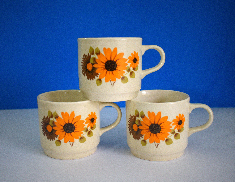 Johnson Of Australia Kalista Cups Saucers Set Of Three Vintage Retro Orange Flowers Design Made In Australia Cup And Saucer Set Flower Designs Orange Flowers