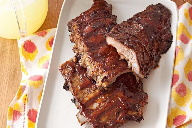 There are many reasons to like these Oven BBQ Ribs. But here's another one: They're a ridiculously easy way to please a crowd!