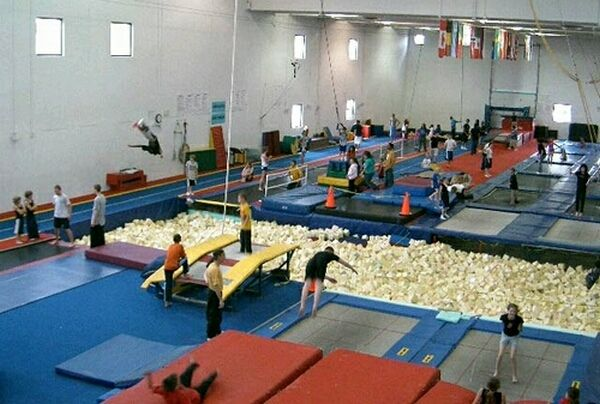 Trampoline World - Trampoline and Tumbling Gymnastics in Colorado