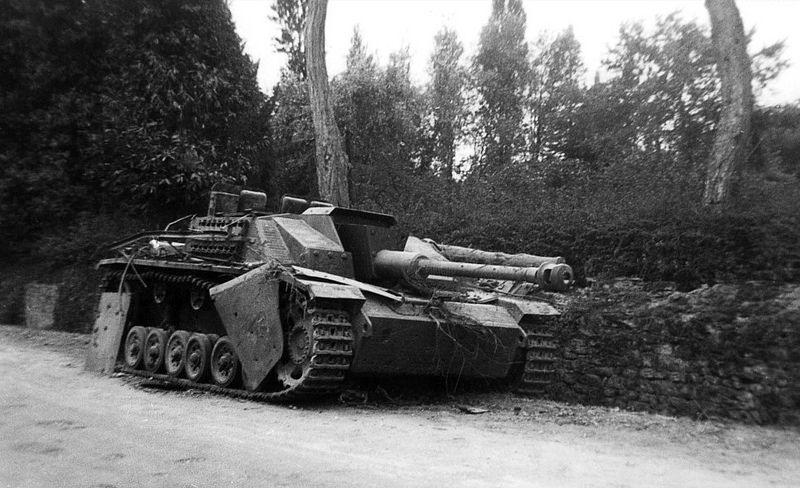 Sturmgeschütz 7,5 cm Stu.K. 40 Ausf. G mit Seitenschürzen (Sd.Kfz. 142/1) Nr. 332