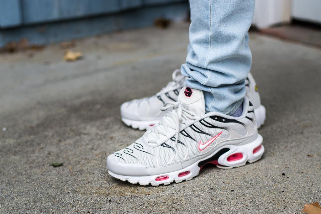release date adfc2 8a301 Nike Air Max Plus Light Bone Hot Punch On Feet on foot photo