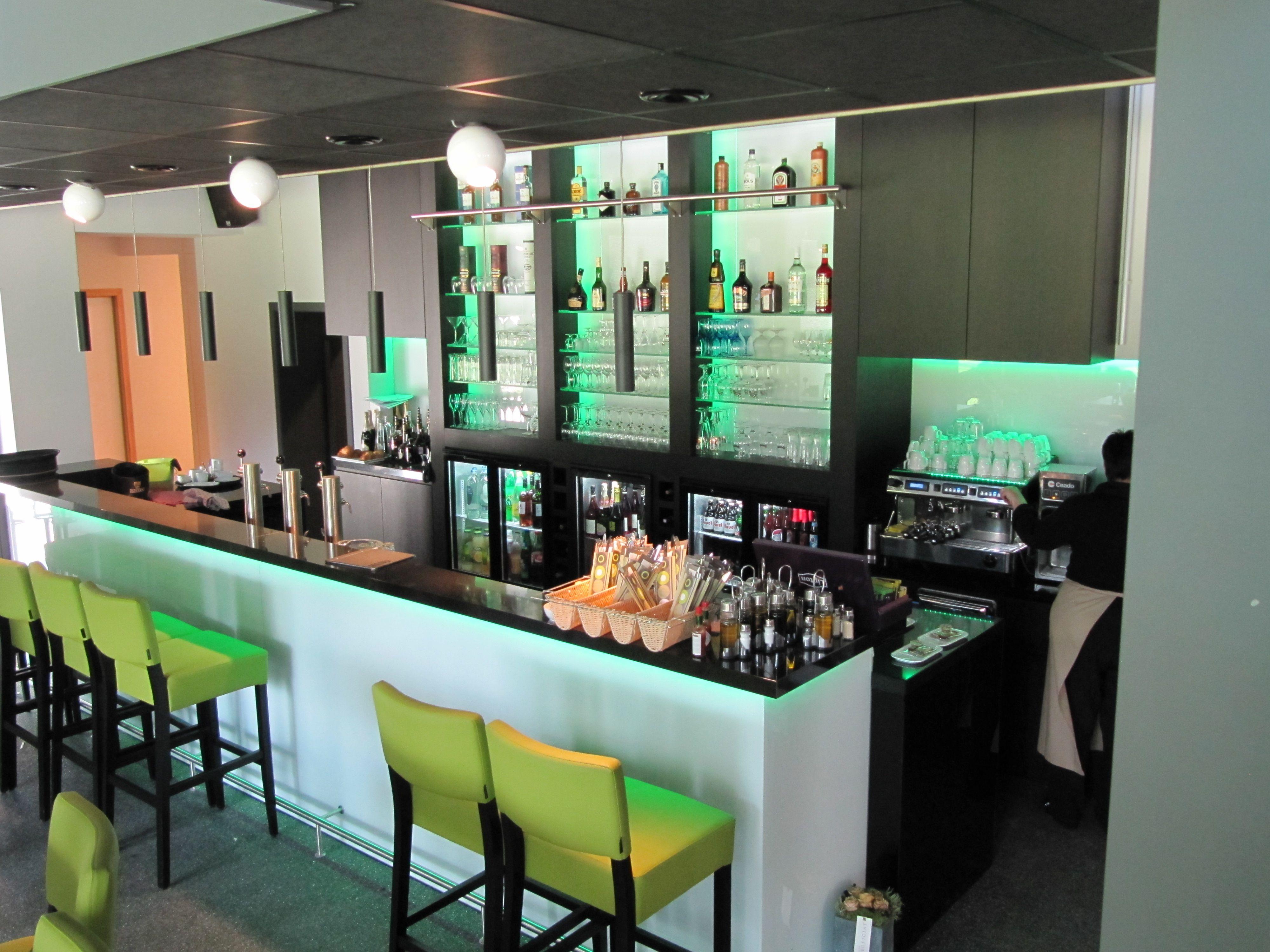 Inrichting bar - Claes Interieur | Interieur B2B | Pinterest | Dressings