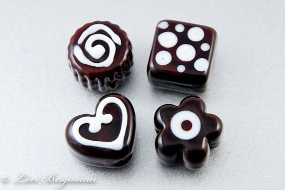These Chocolate Lampwork Beads in a Tin by www.LoriBergmann.etsy.com look good enough to eat! #handmade #beads #chocolate
