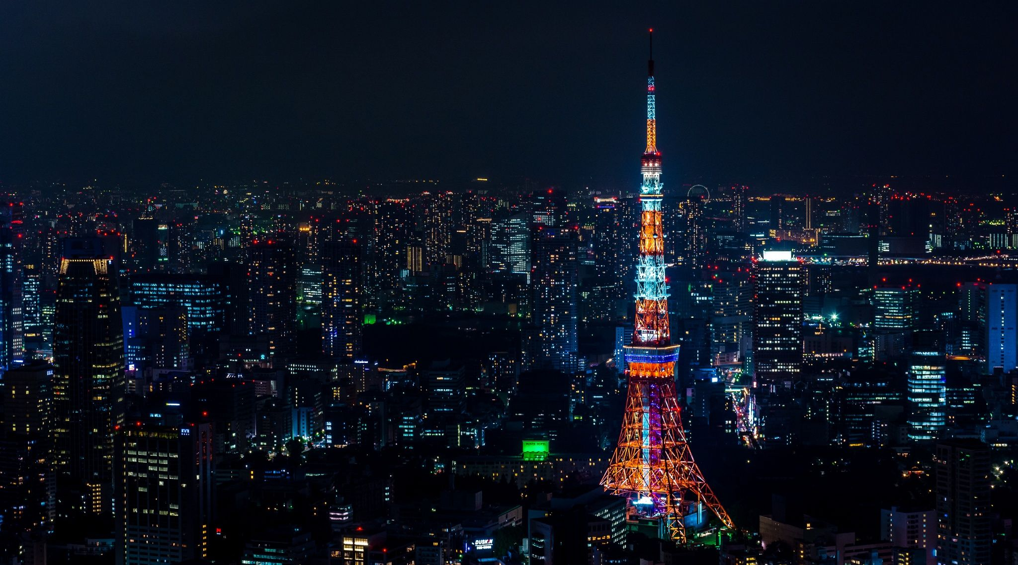 Tokyo tower by night by Emmanuel Alpe on 500px