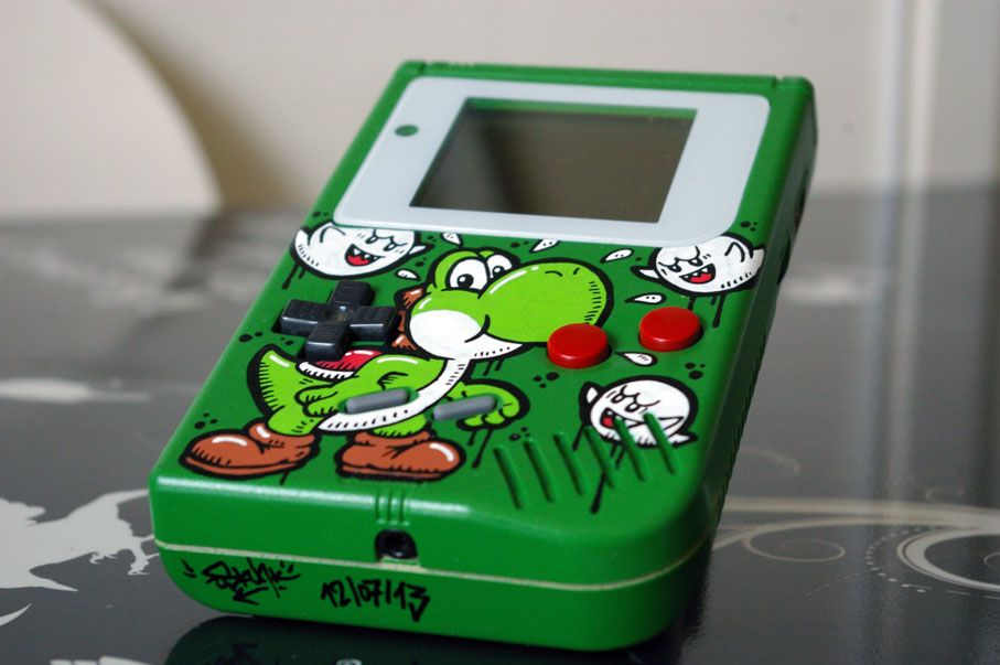 "Custom Game Boy ""YOSHI"" | GamesNEXT"