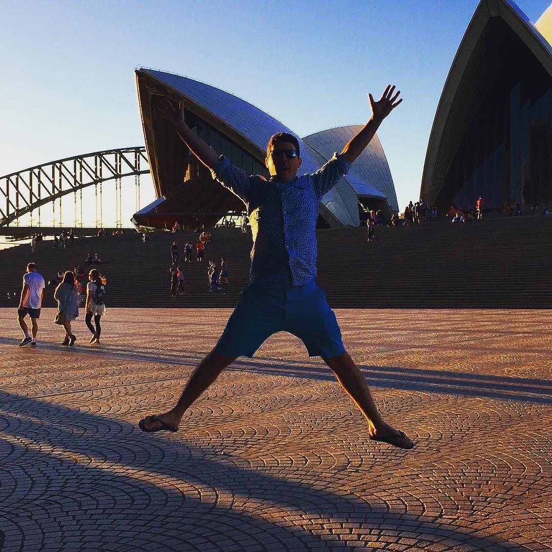 Rêve de gosse realisé! #australia #sydneyoperahouse #sydneyharbourbridge by mad_max_adventures http://ift.tt/1NRMbNv