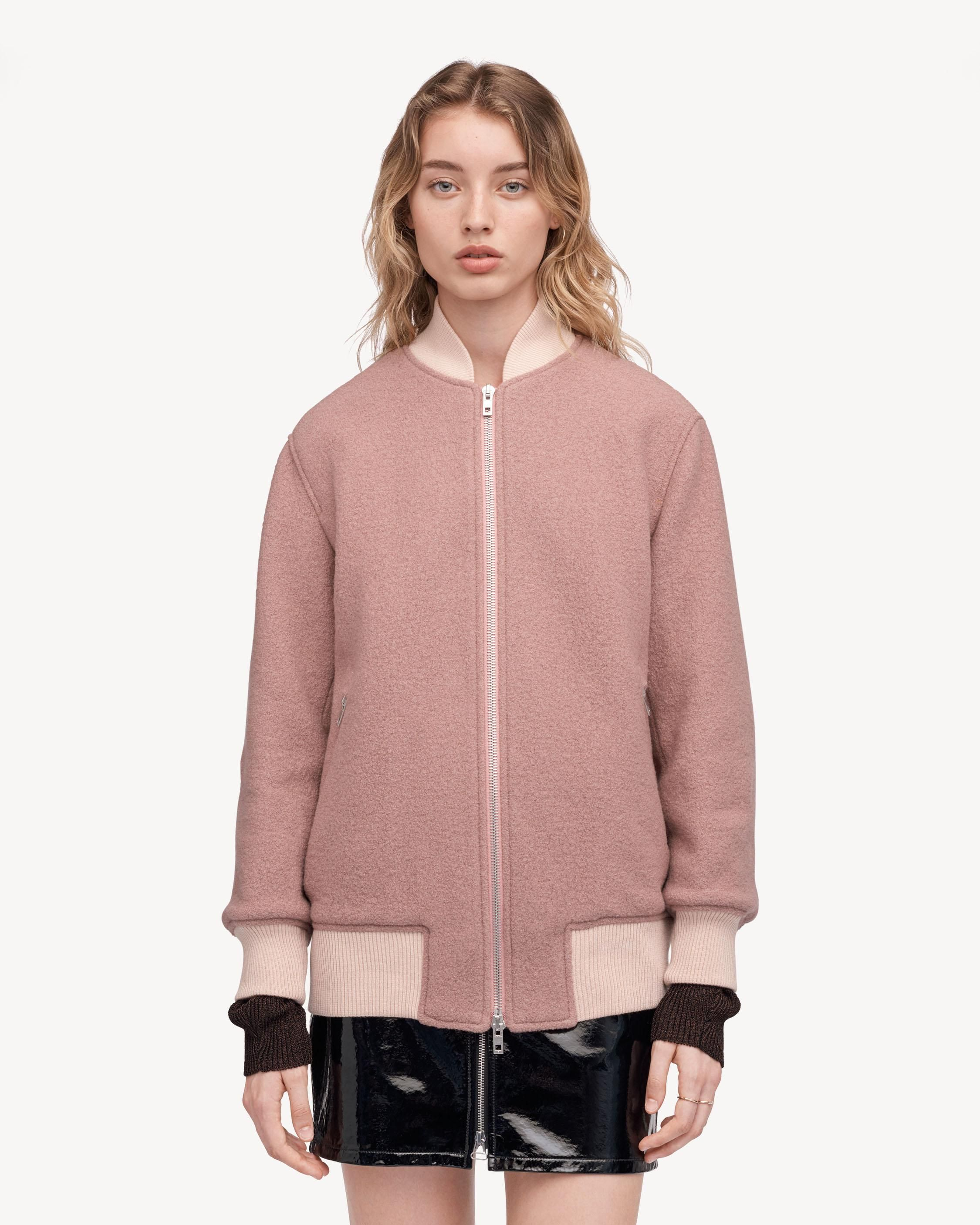 Classic boiled wool bomber jacket  100%  Wool Easy, oversized fit Riri zipper closure at front Diamond-quilted lining US 100%VIRGIN WOOL Made in the USA