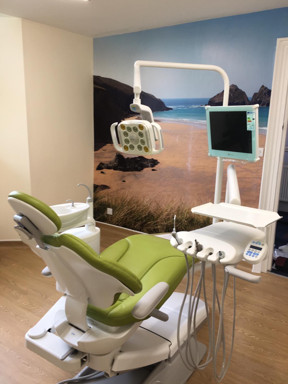 Thick Dental Surgery Dr. Who dentista