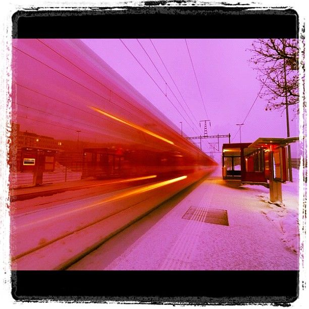"""@suesskindsgd's photo: """"#rhätische#bahn#graubünden#graubuenden#ems#werke#schnee#tempo#lichtstreifen#rhb"""""""