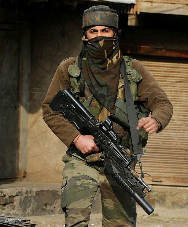 Indian Army Special Forces Soldier In Kashmir 615x739 Indian Army Special Forces Indian Army Indian Army Wallpapers