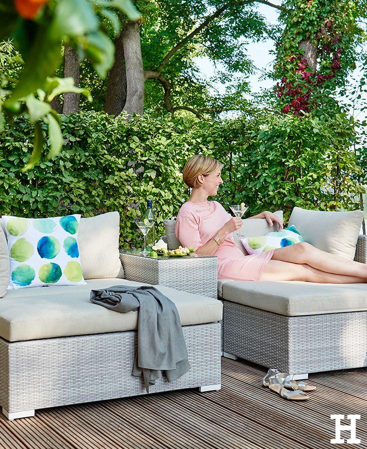 Sommerliche Temperaturen Konnen Sie Wunderbar Im Garten Geniessen Noch Besser Geht Das Mit Der Garten Lounge Gruppe Queens Das Garten Lounge Gartensofa Lounge