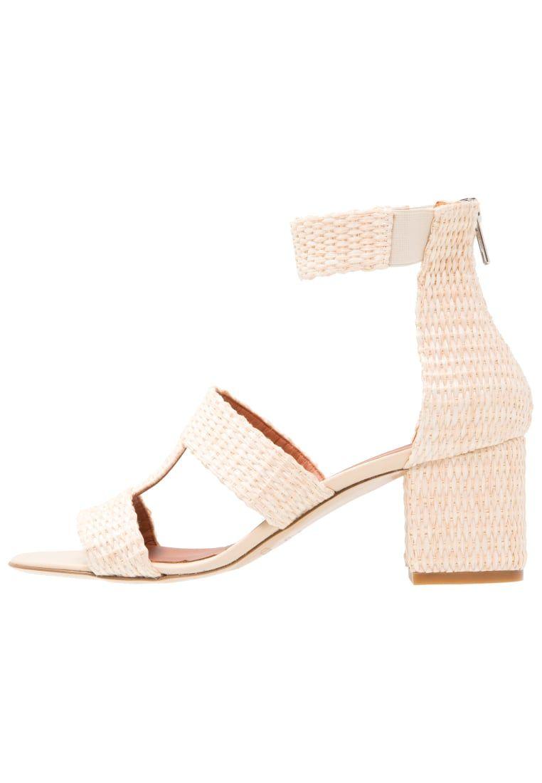 260520eb14d ¡Consigue este tipo de sandalias de piel de WHYRED ahora! Haz clic para ver