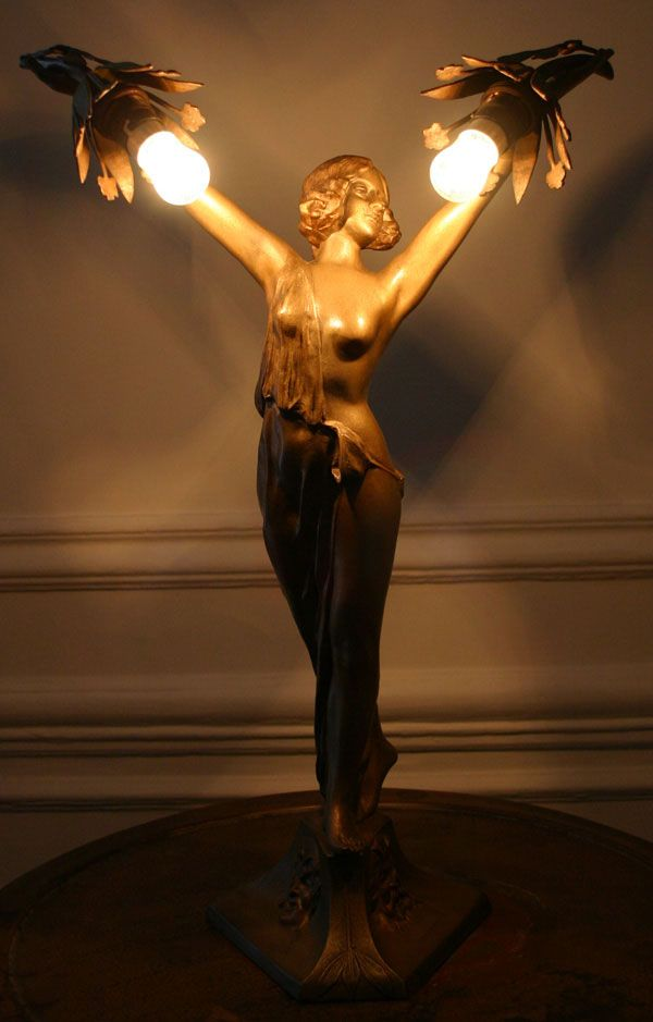 Nude Goddess Art Deco Statue Lamp
