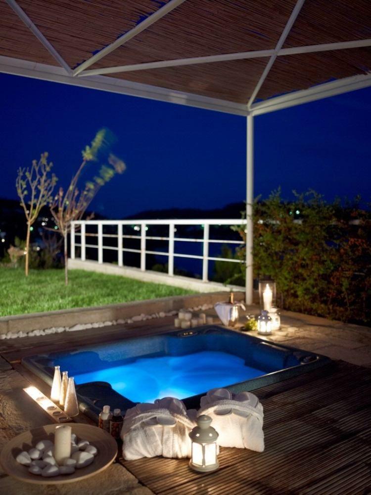 romantische Atmosphäre mit Aussicht in den Himmel Whirlpool - whirlpool im wohnzimmer