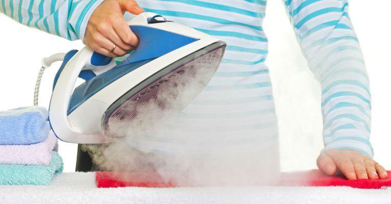 9d68b5a16 Como limpar ferro de passar roupa - Vix