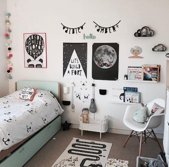 Habitaci n infantil original en tonos grises y mint con un for Habitacion infantil original