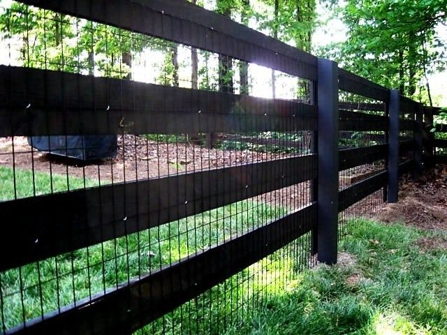 Dog Fence - I like that this fence has 4x6 post and then painted