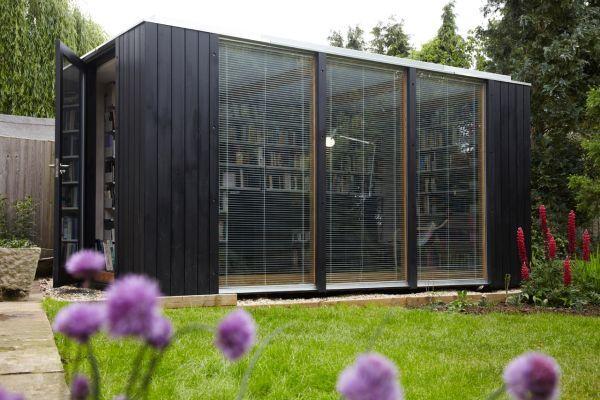 kubus gartenhaus dient als hausbibliothek gartenhaus pinterest gartenh user mobiles. Black Bedroom Furniture Sets. Home Design Ideas