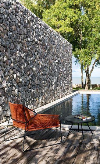 Meubles De Jardin : Transat Design, Table Bois, Fauteuils Colorés