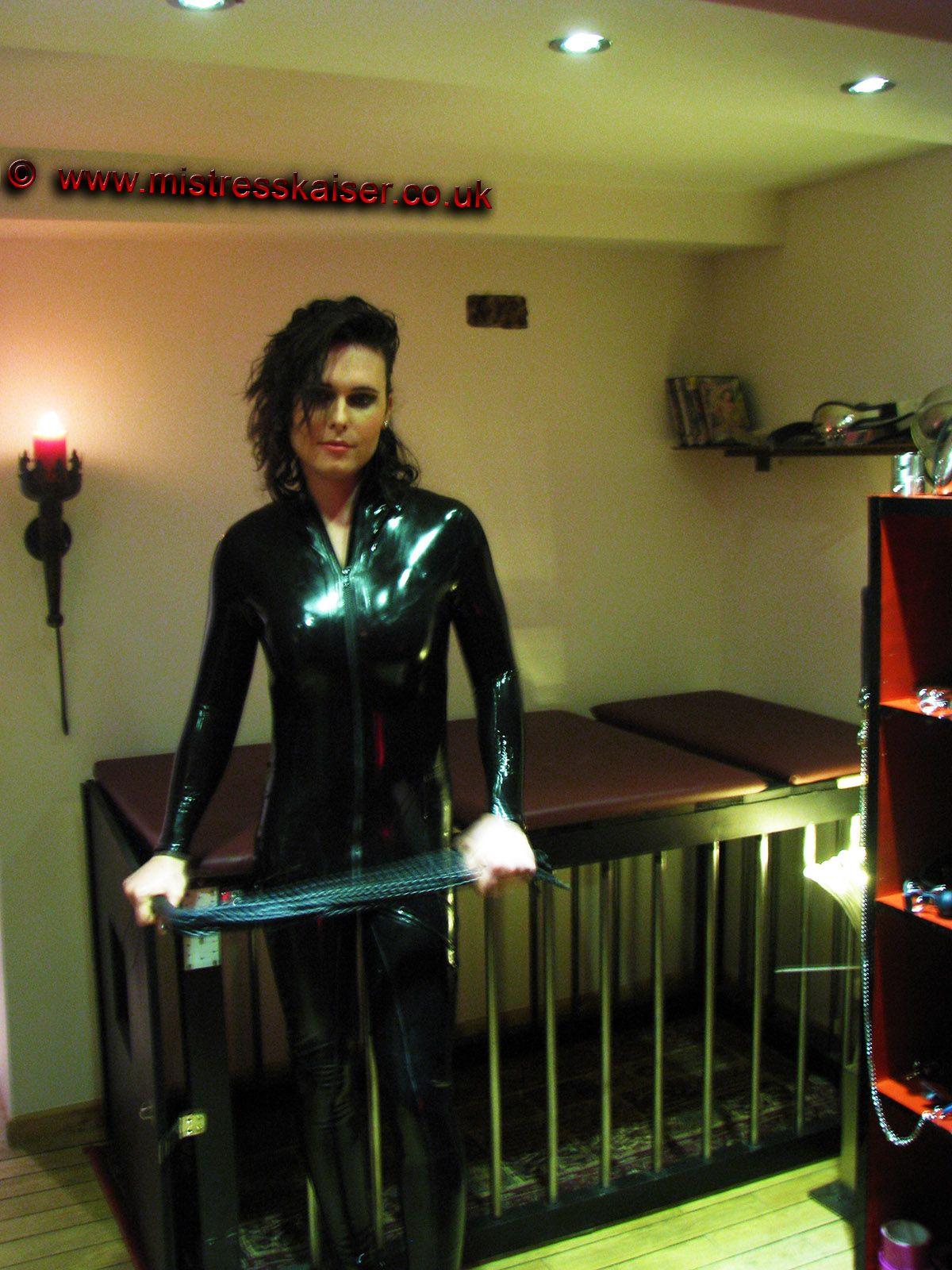 shemale Trans maitresses dominatrix