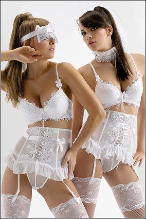 Axami Lingerie Set - white bra and g-string